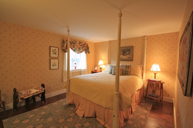 Barn Guest Room 1 11389795