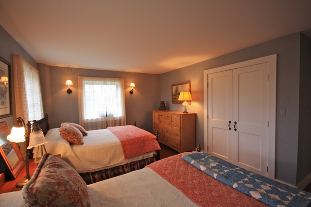 Barn Guest Room 2 11389797