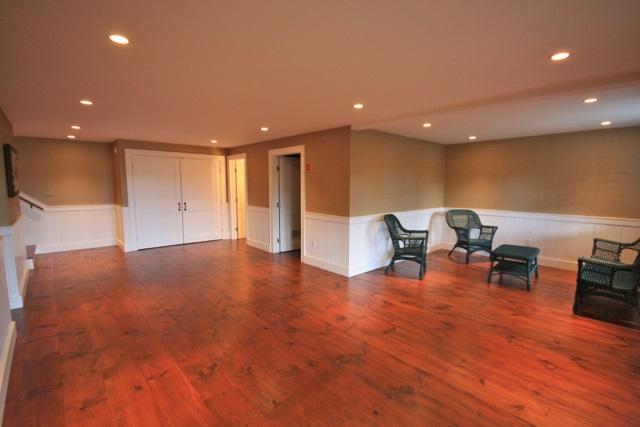 Barn Recreation Room 11389798