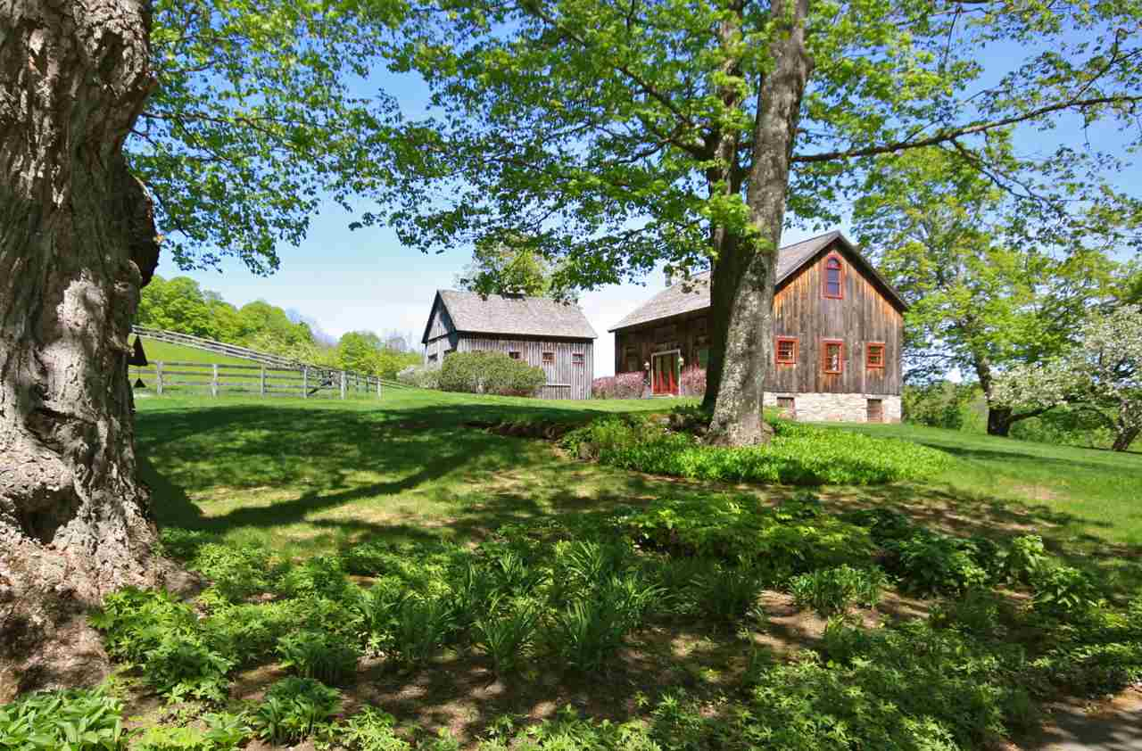 Guest Barn and 5 Stall Horse Barn 11390022