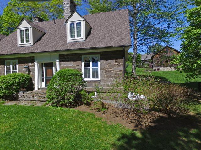 House and Barns 11389747