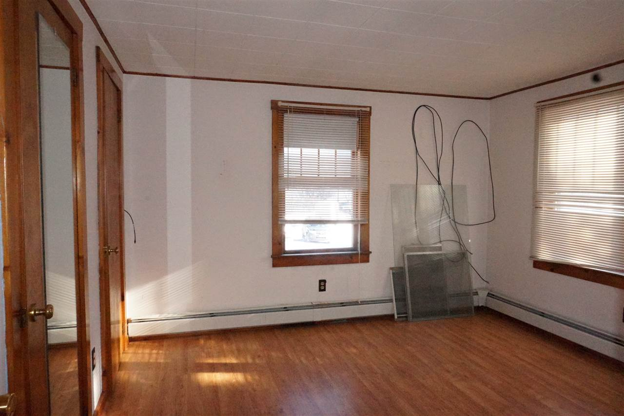 Master Bedroom 11403686