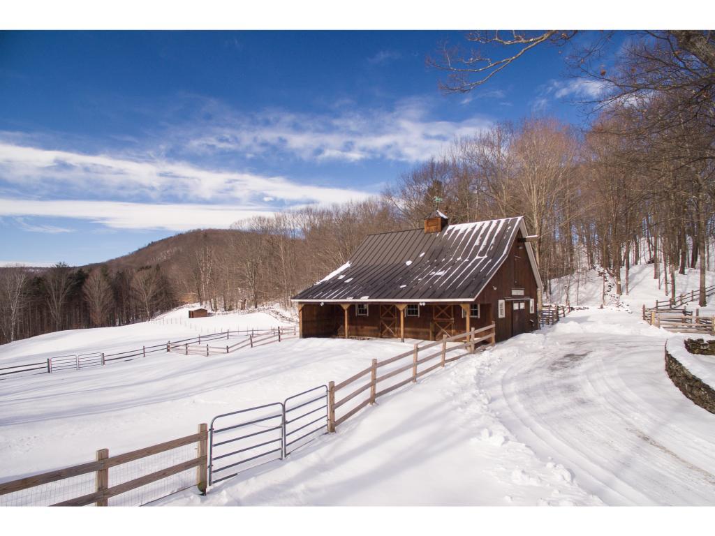 Winter Barn 11406632