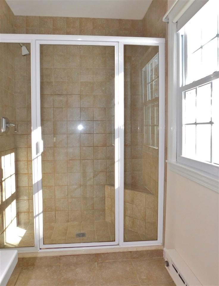 with Tile Shower 11410691