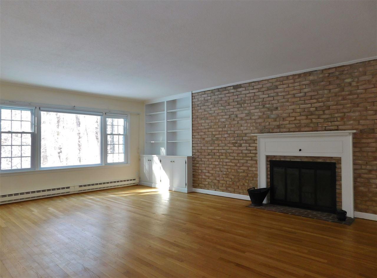 Large Living Room 11410645