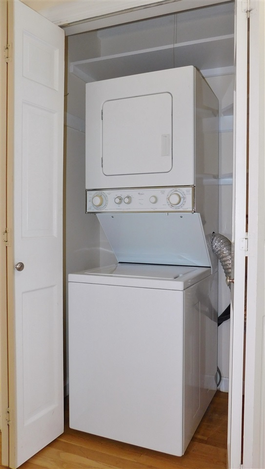 Laundry in unit 11410688