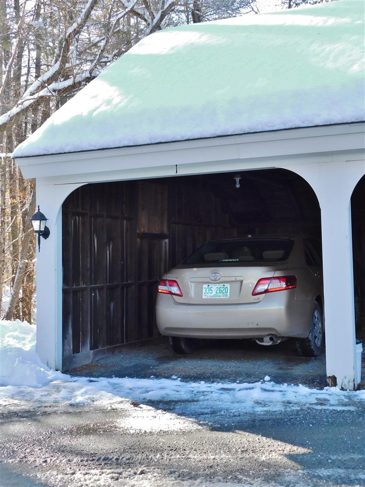 Covered Parking 11410705