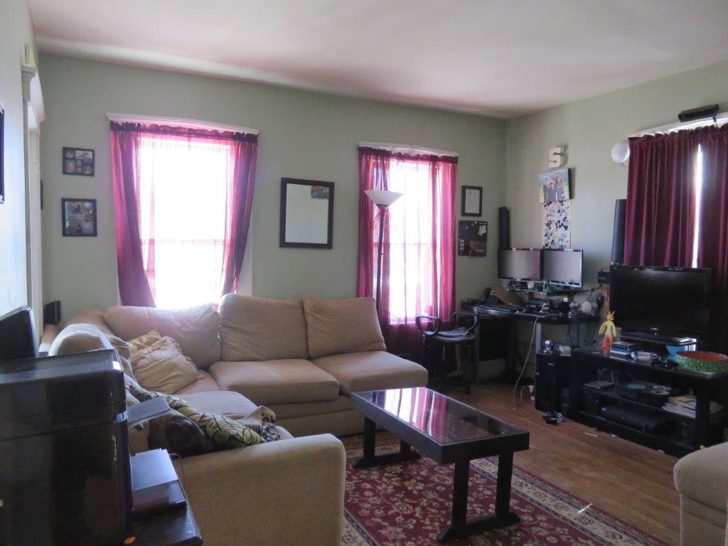 Living Room 11409277