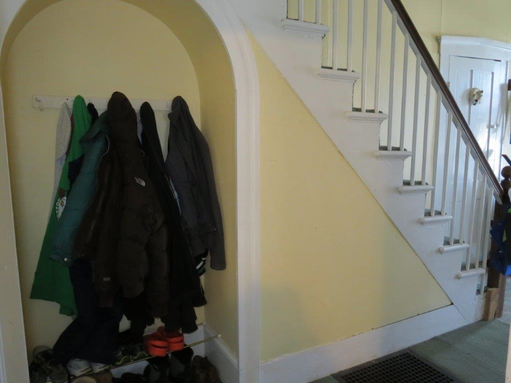 Entry Hallway 11409276