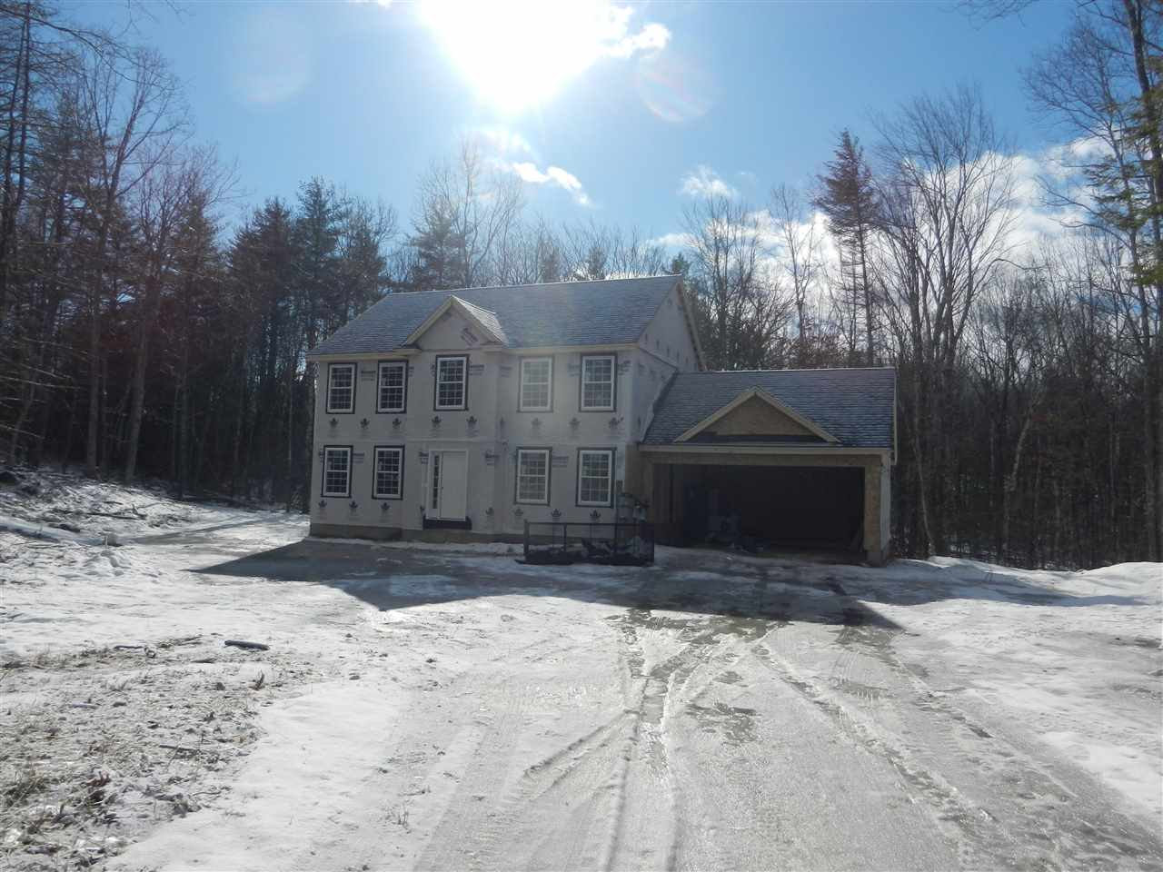 Photo of 4 Sandybrook Drive Raymond NH 03077
