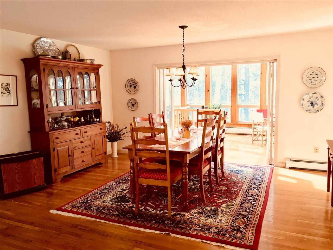 dining room 11413573