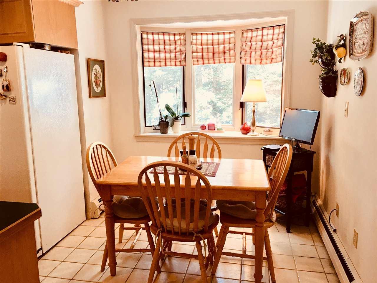 kitchen nook 11413613