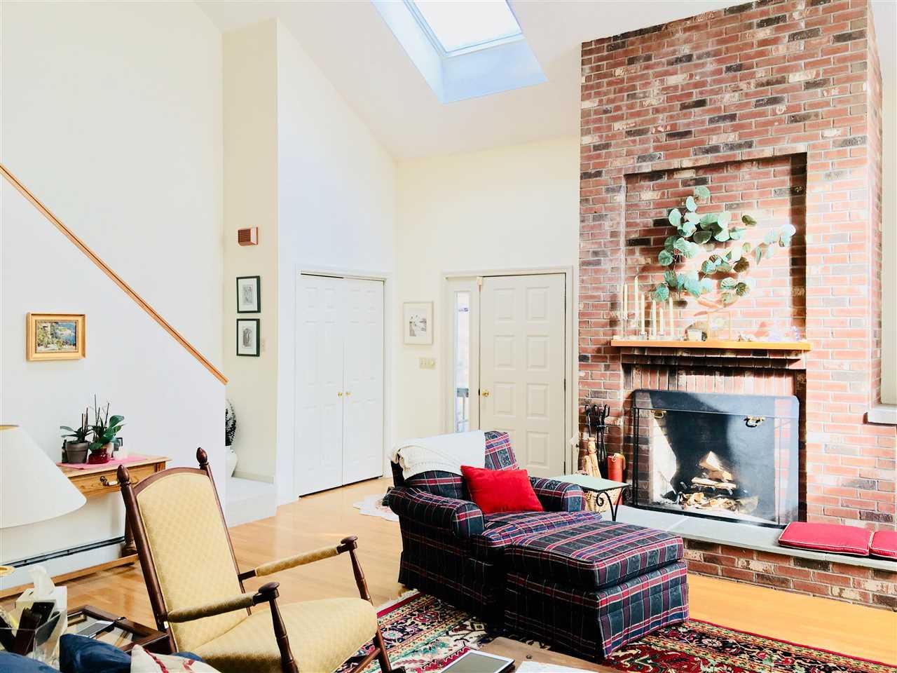 living room 11413570