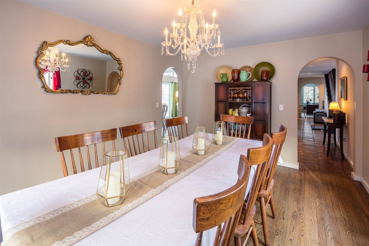 Formal Dining Room 11421498