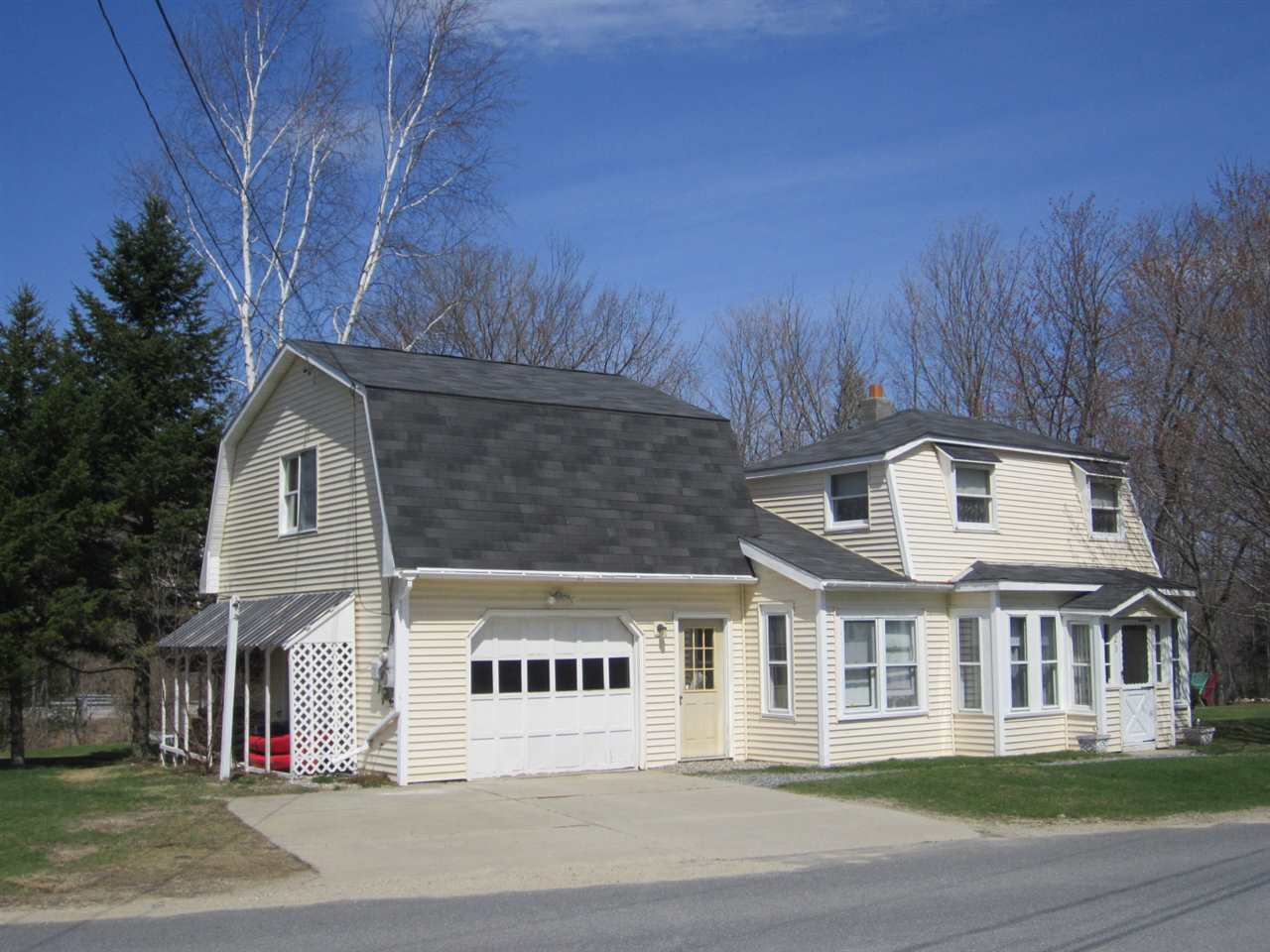 NEW LONDON NH Home for sale $$185,000 | $118 per sq.ft.