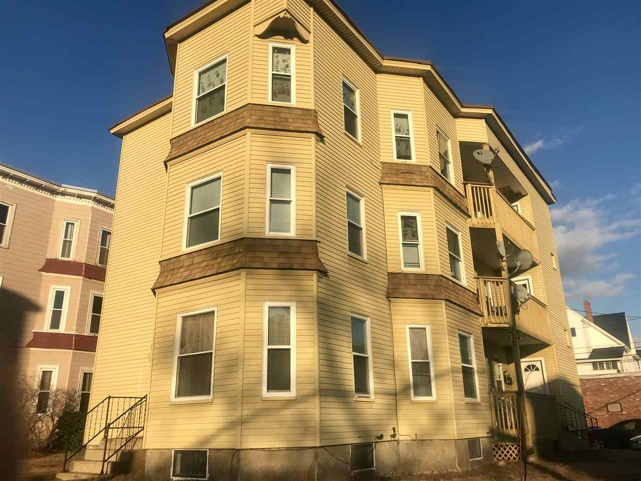 image of Manchester NH  4 Unit Multi Family | sq.ft. 5982
