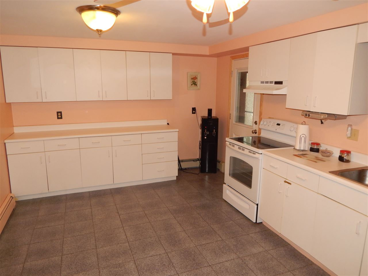 Hooksett NH Home for sale $List Price is $324,900