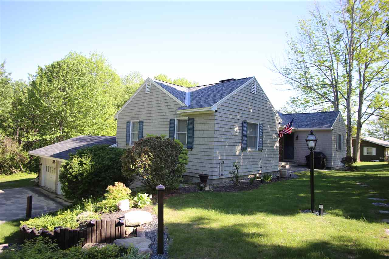 NEW LONDON NH Home for sale $$349,000 | $299 per sq.ft.