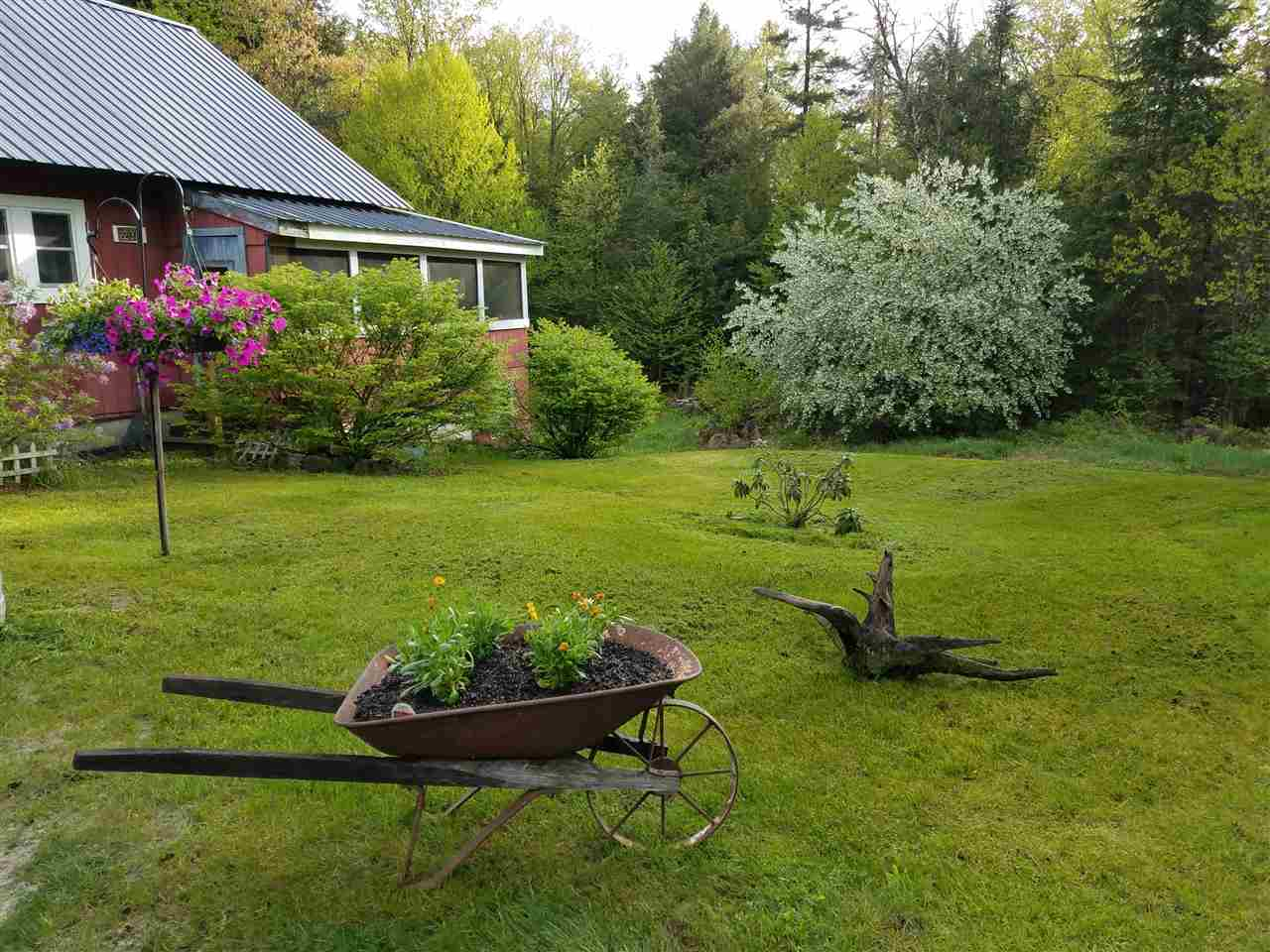 GRAFTON NH Home for sale $$149,900 | $72 per sq.ft.