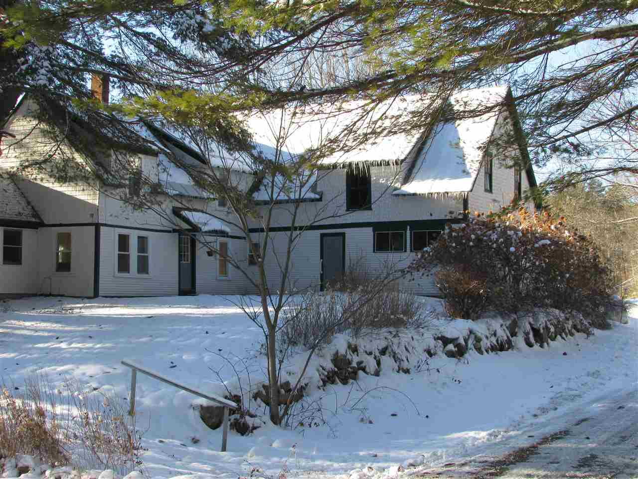 ENFIELD NH Home for sale $$229,900 | $116 per sq.ft.
