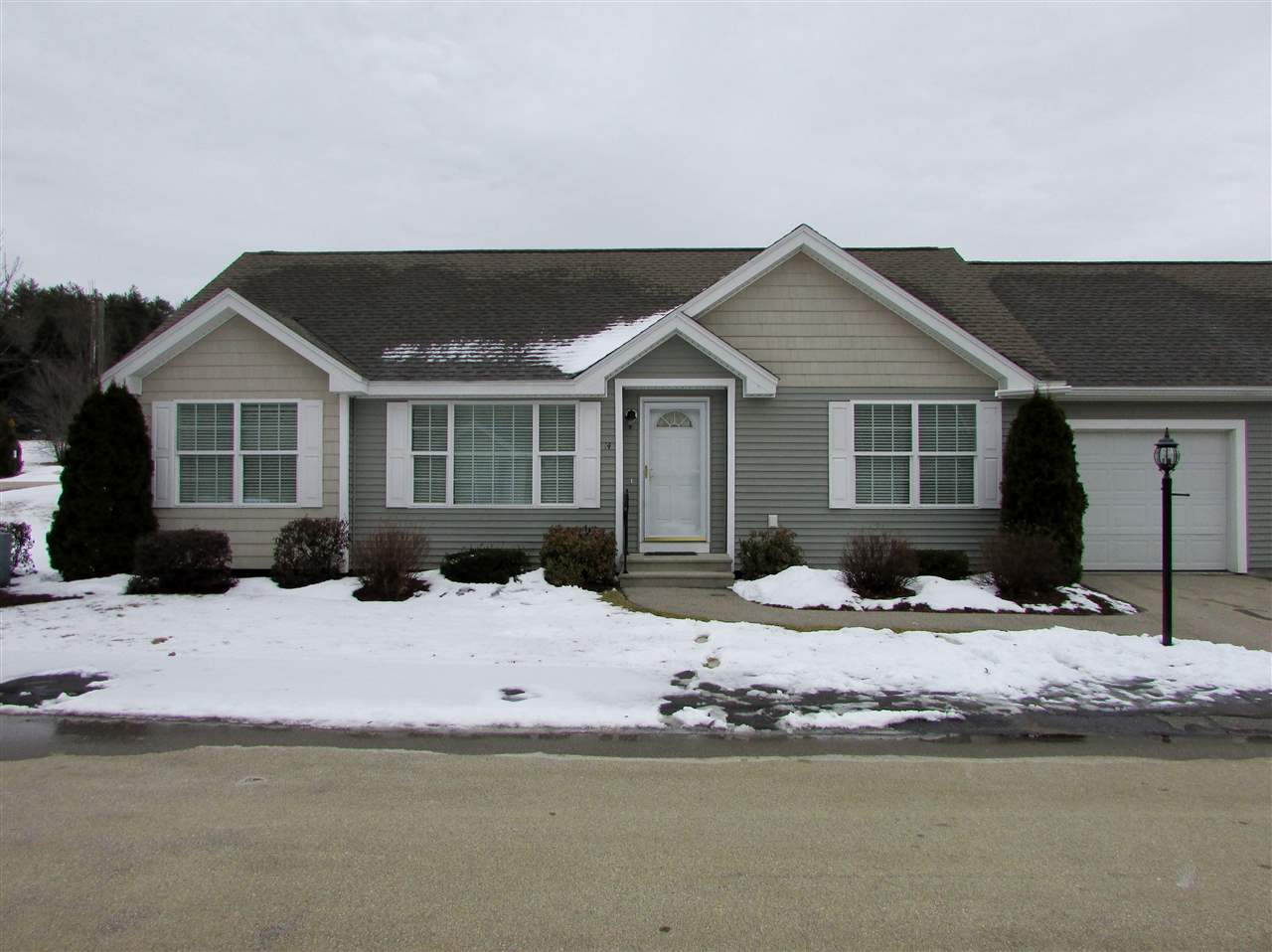 Hooksett NHCondo for sale $List Price is $235,000