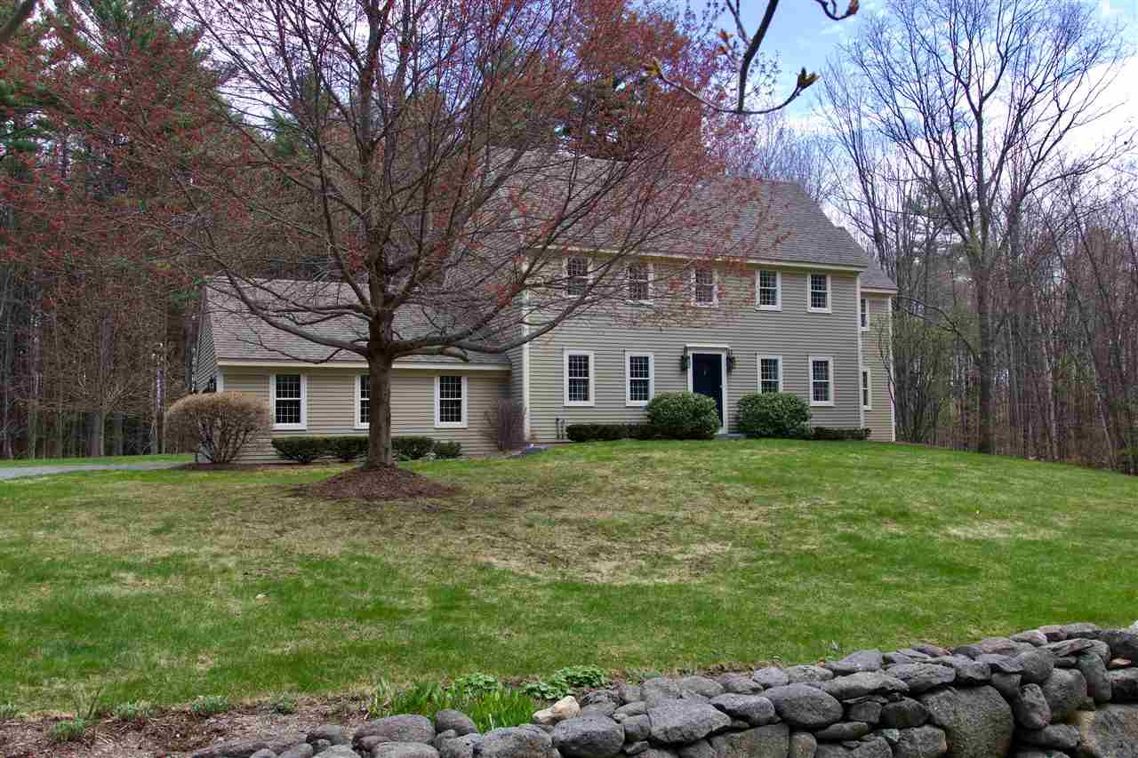 NEW LONDON NH Home for sale $$449,000 | $188 per sq.ft.