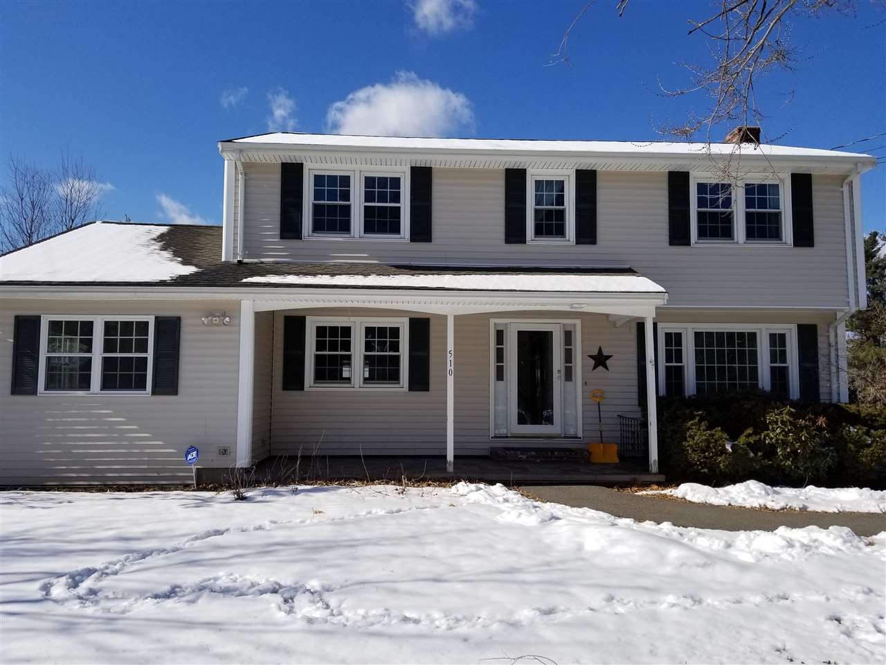Litchfield NHHome for sale $List Price is $309,900
