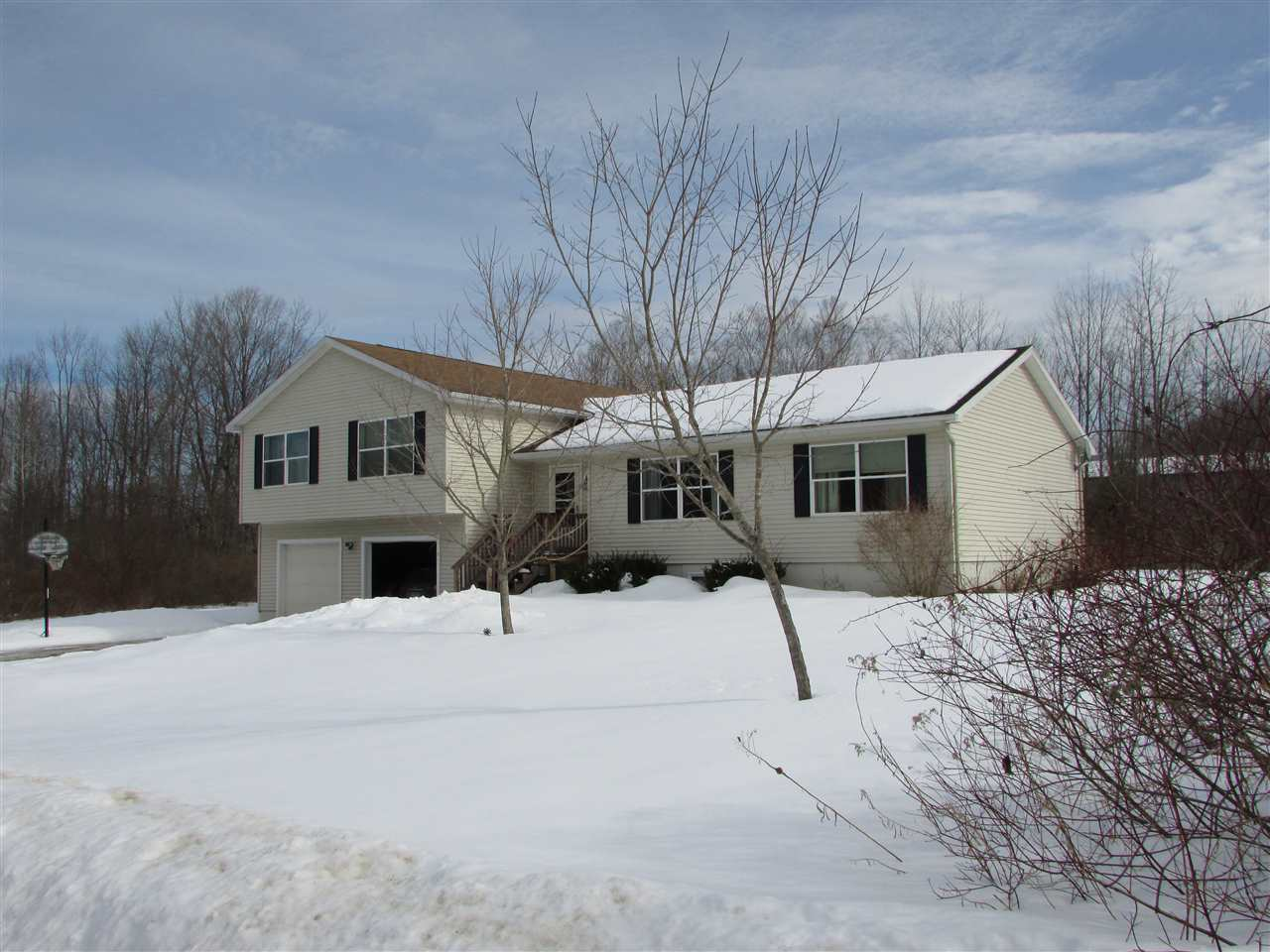 ENFIELD NH Home for sale $$275,000 | $133 per sq.ft.