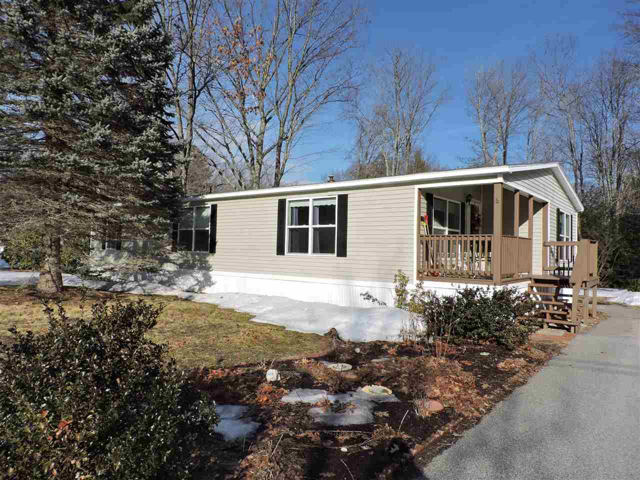 Weare NH Mobile-Manufacured Home for sale $List Price is $105,000