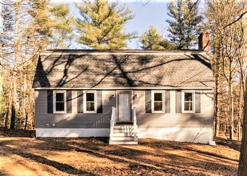 Plaistow NHHome for sale $List Price is $364,900