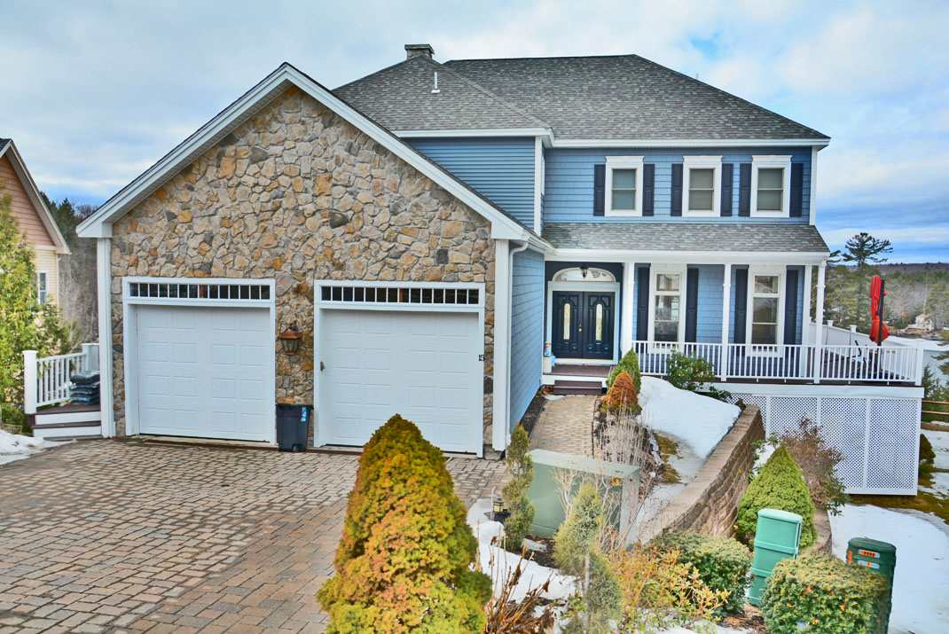 LACONIA NH Home for sale $579,000