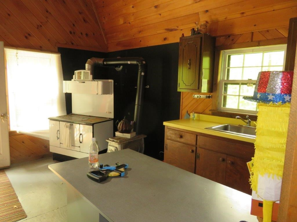 Open Area Kitchen/Living 11493551