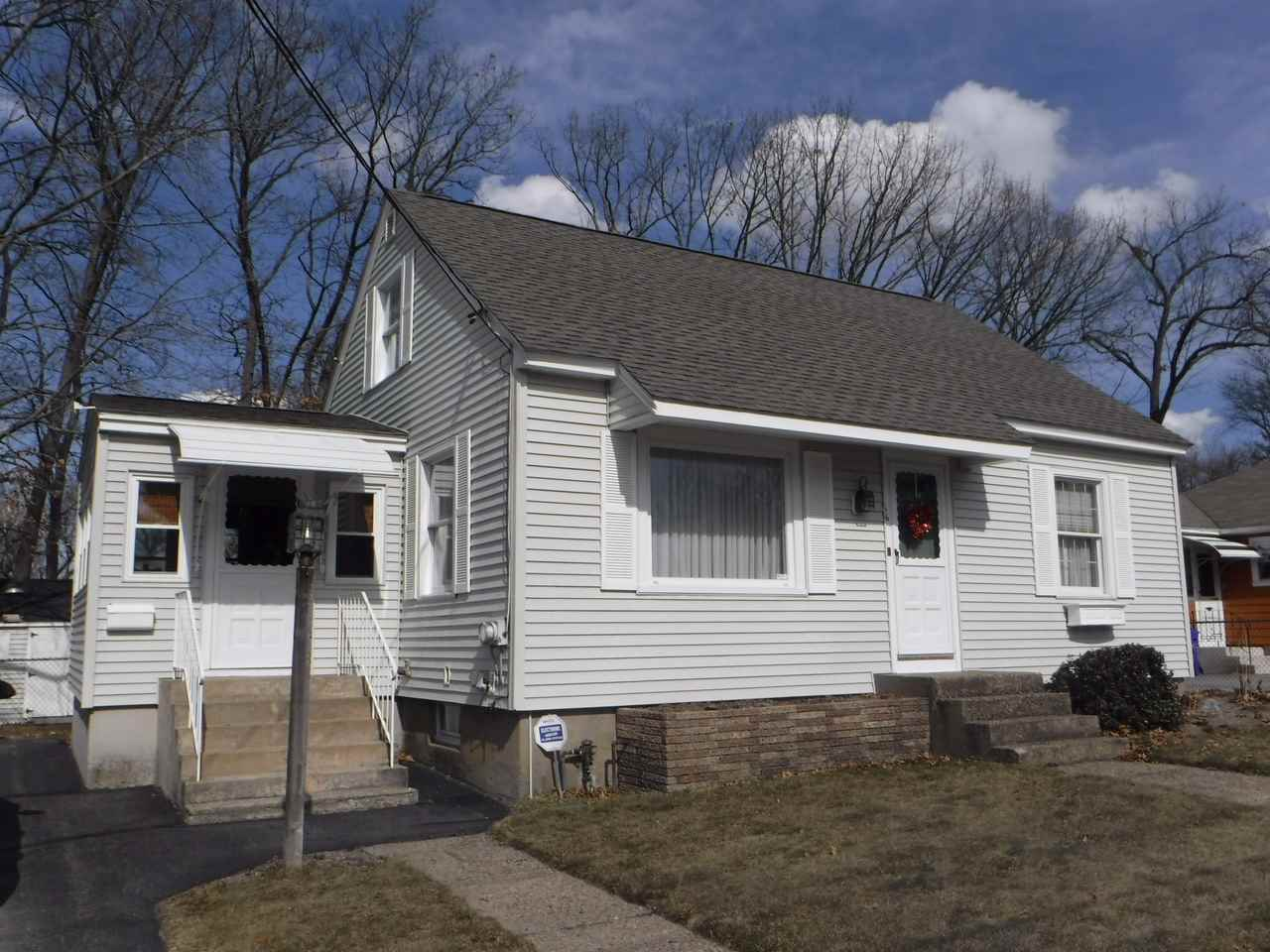 MANCHESTER NH Home for sale $$214,900 | $199 per sq.ft.