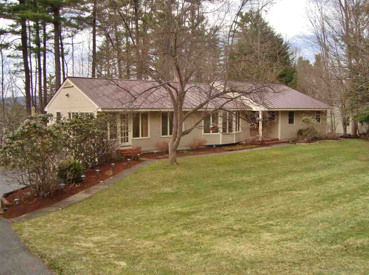 HANOVER NH Home for sale $$649,000 | $285 per sq.ft.