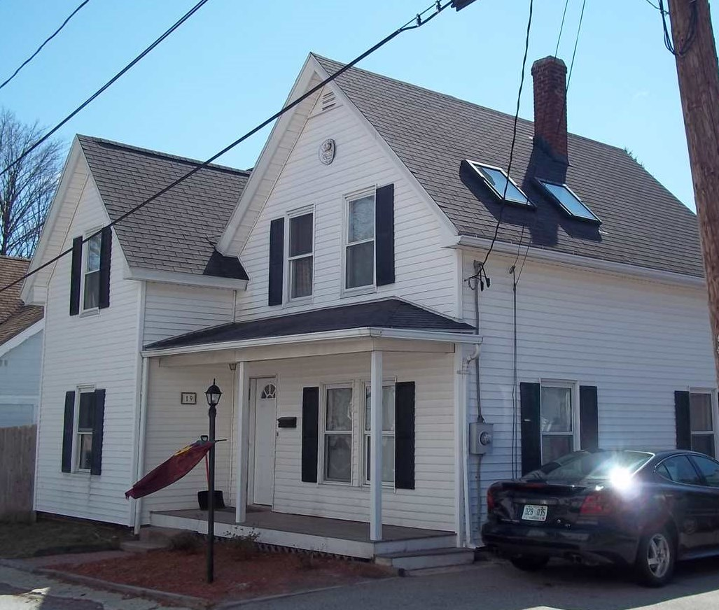 MANCHESTER NH Home for sale $$209,900 | $164 per sq.ft.
