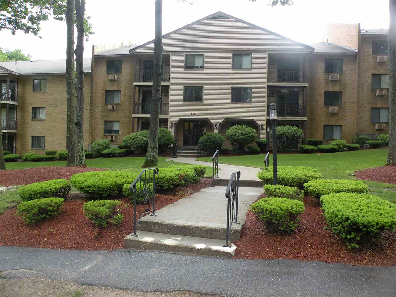 MANCHESTER NH Condo for rent $Condo For Lease: $1,225 with Lease Term