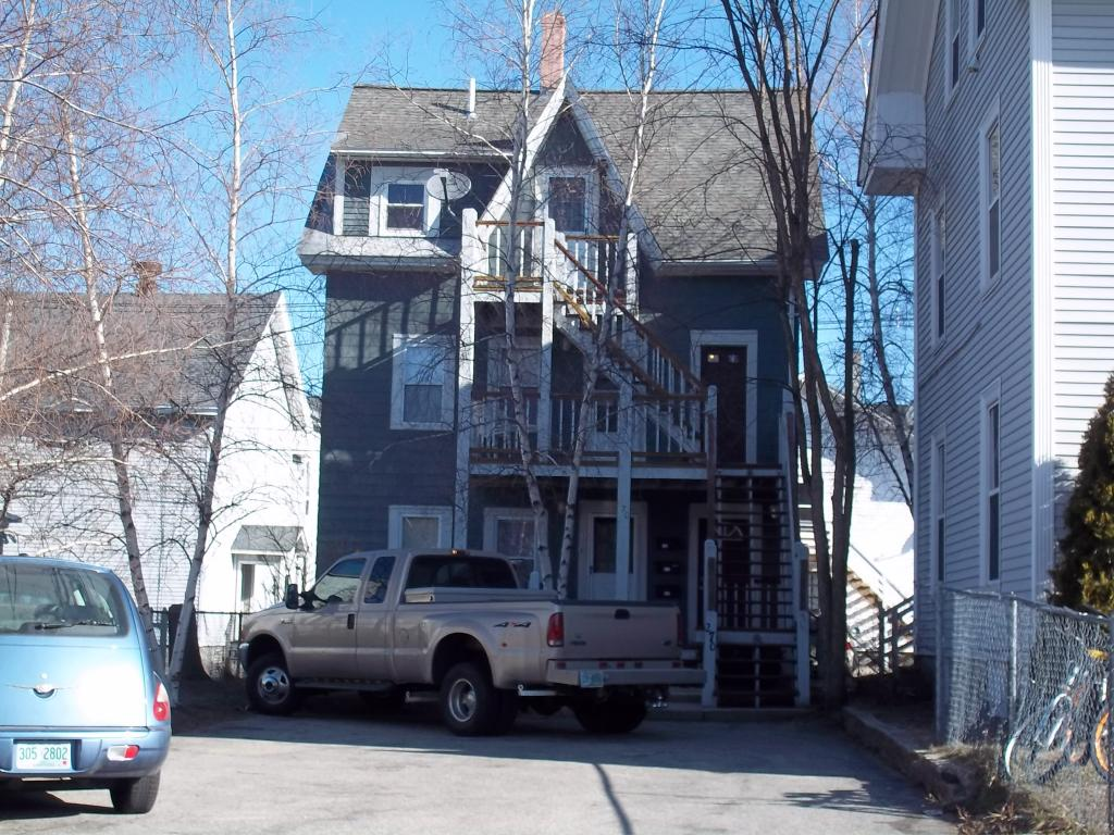 MANCHESTER NHApartment for rent $Apartment For Lease: $995 with Lease Term