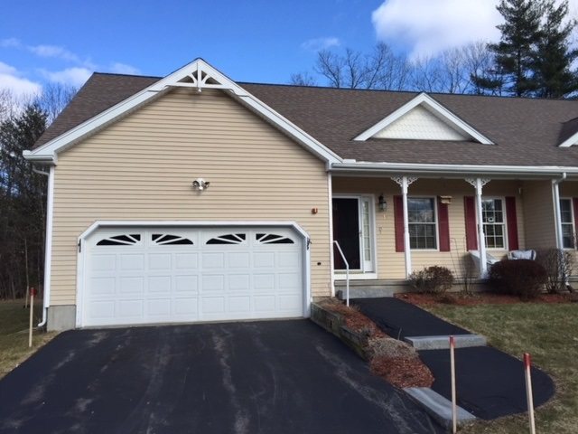 Litchfield NH Condo for sale $List Price is $250,000