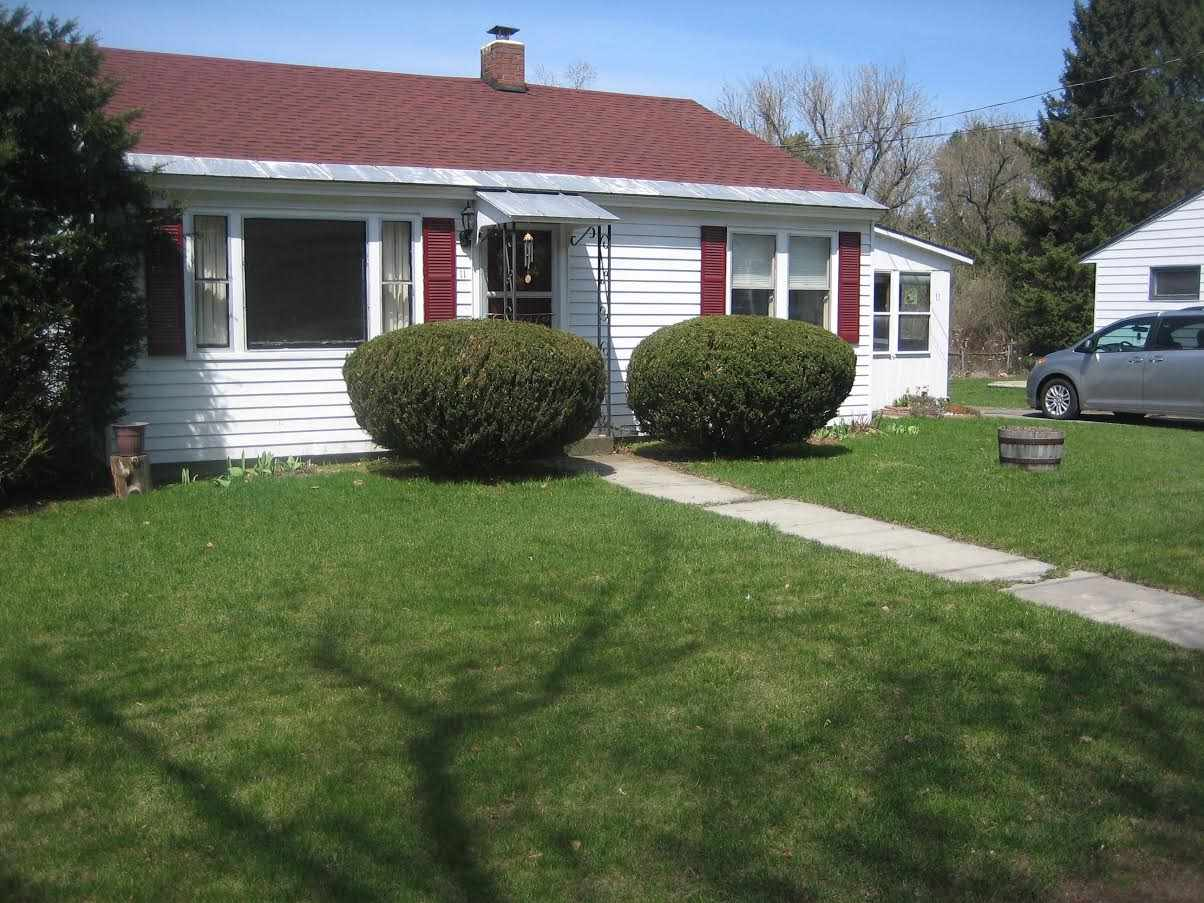 LEBANON NH Home for sale $$189,000 | $225 per sq.ft.