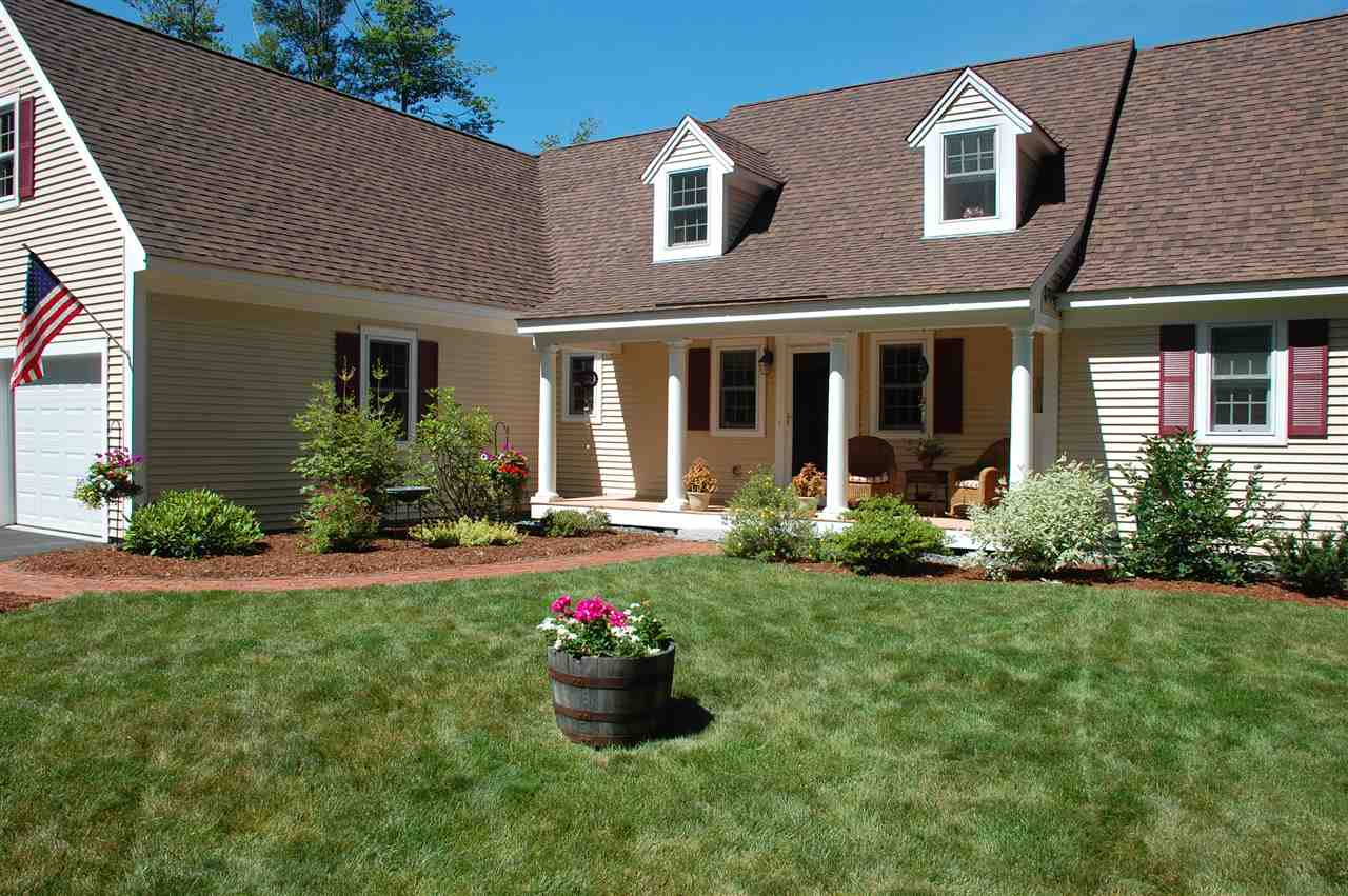 NEW LONDON NH Home for sale $$585,000 | $209 per sq.ft.