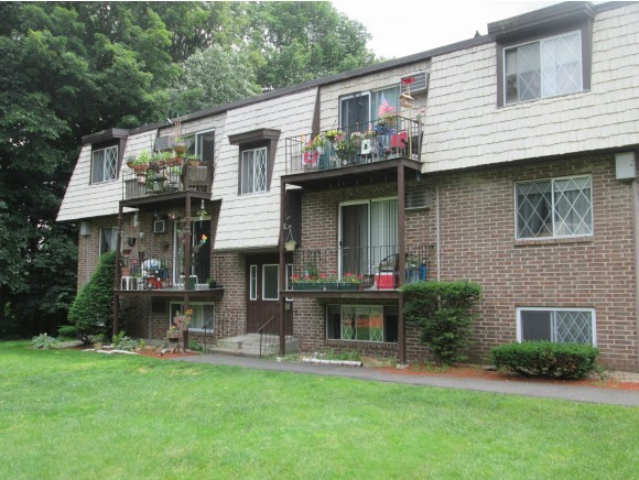 DERRY NH Condo for rent $Condo For Lease: $1,150 with Lease Term