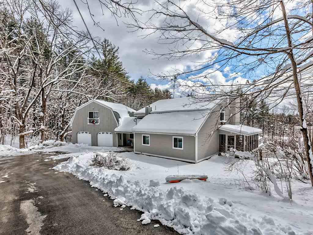 Lyndeborough NHHome for sale $List Price is $368,000