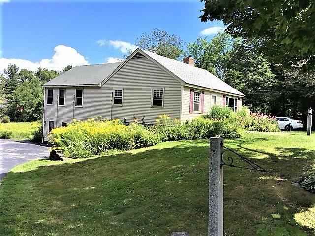 NEW LONDON NH Home for sale $$339,000 | $221 per sq.ft.