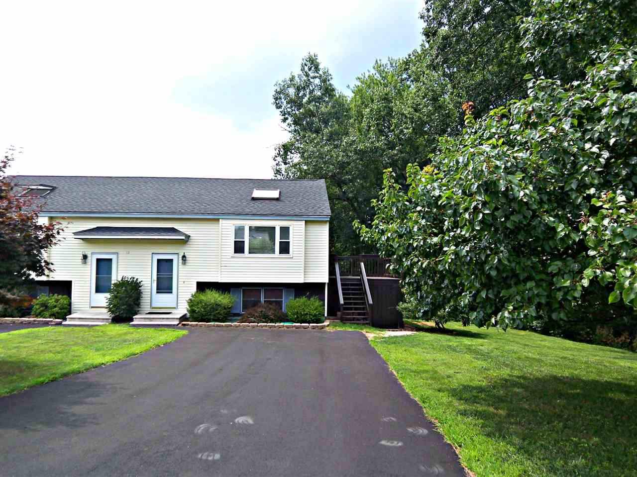 Derry NH Condo for sale $List Price is $164,900