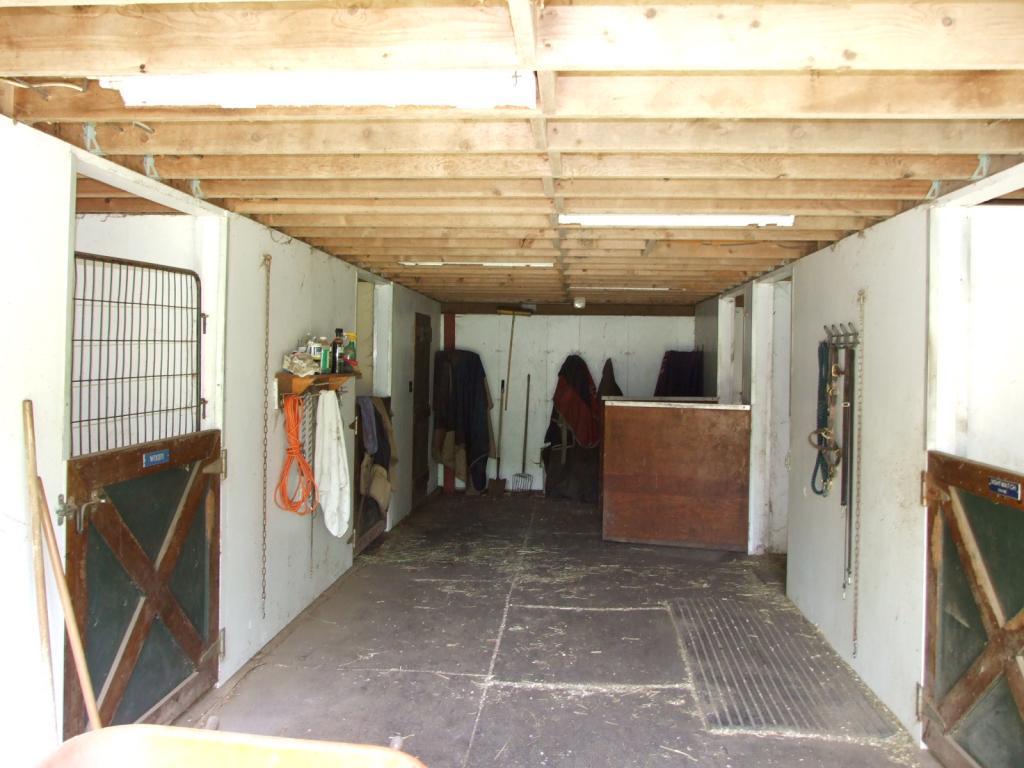 2nd 5 stall barn 11552196