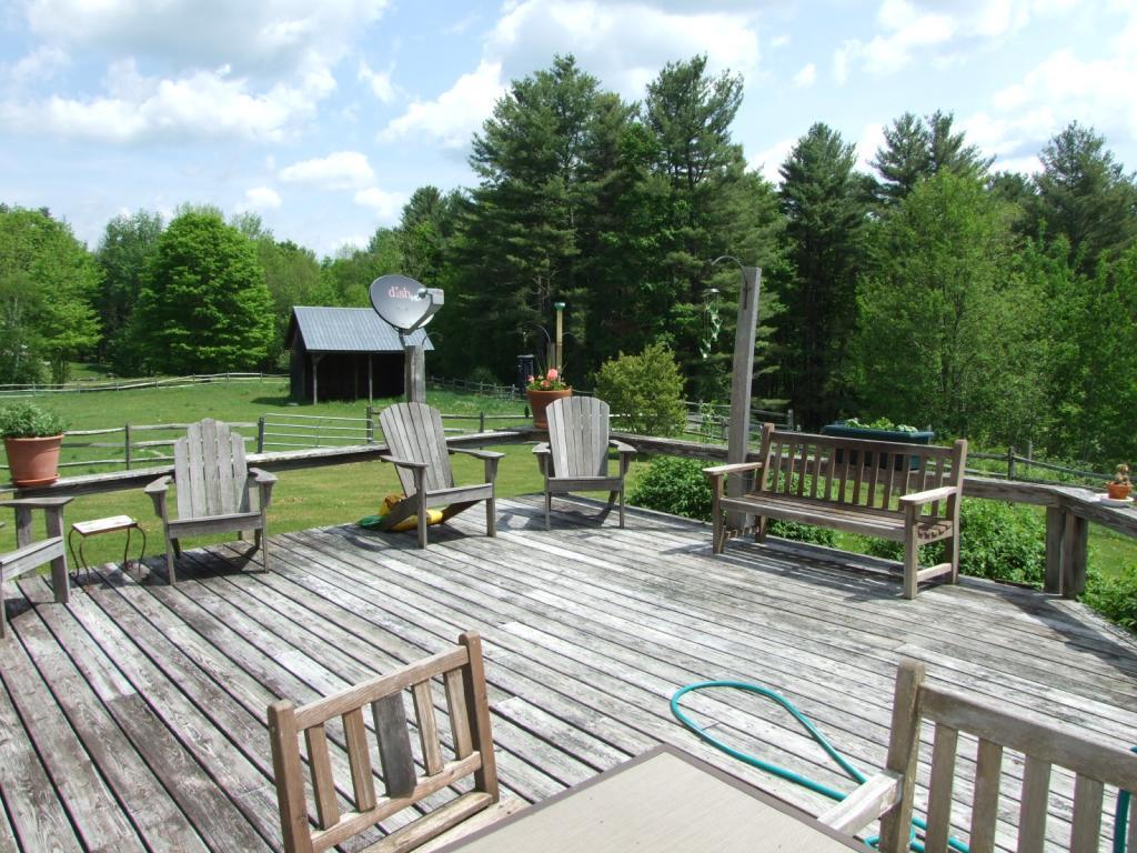 Large deck 11552187