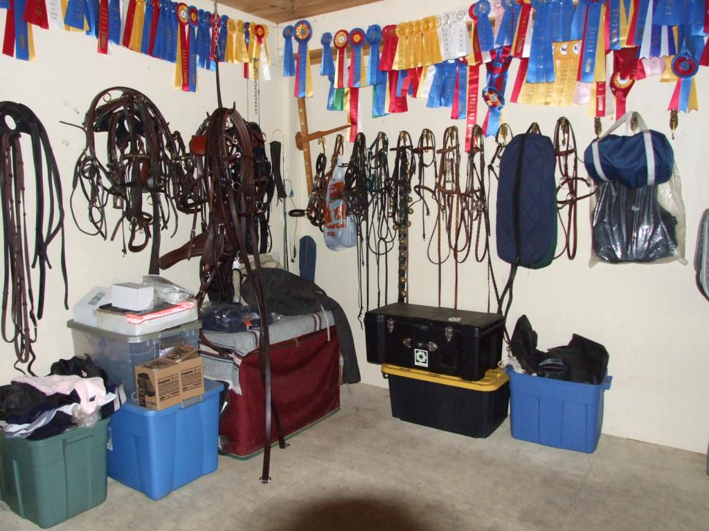 Heated tack and viewing room 11552201
