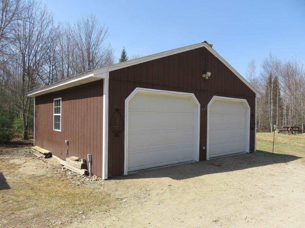 Two Car Garage 11816999