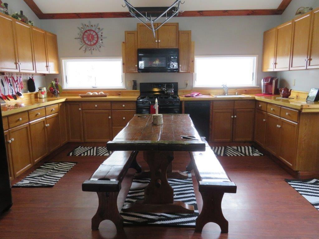 Sun filled Kitchen 11554196