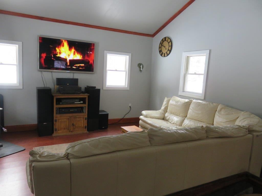 """55"""" Flat Screen with 3 D Movies Included 11554186"""